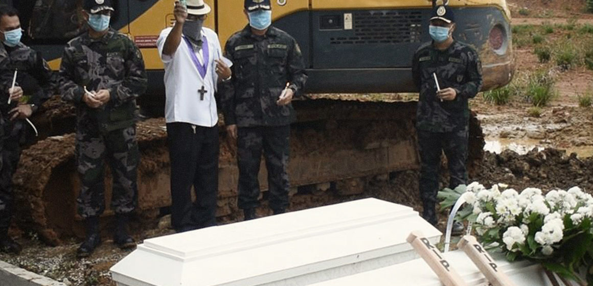 PNP Caraga gives aid for the decent burial of NPA fighters